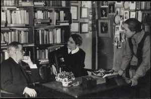 James Joyce con Sylvia Beach e Adrienne Monnier alla Shakespeare and Company